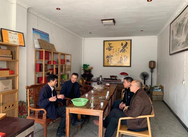 筠连县总工会走访劳模民营企业